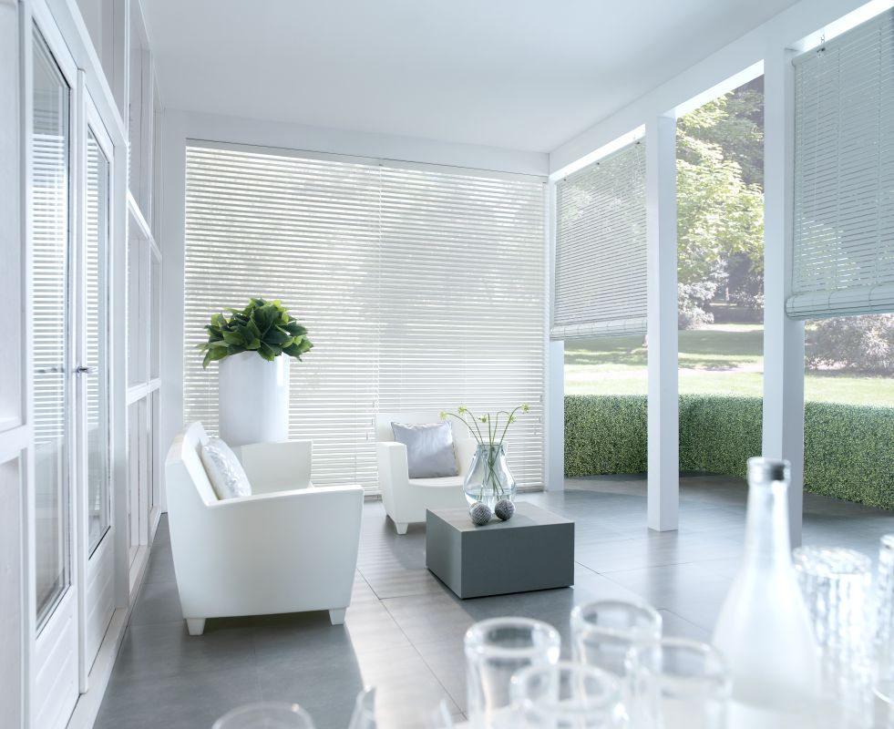 Wood weave roller blinds and folding curtains made of natural wood